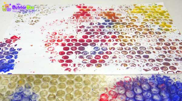 Fun bubble wrap art activity for toddlers